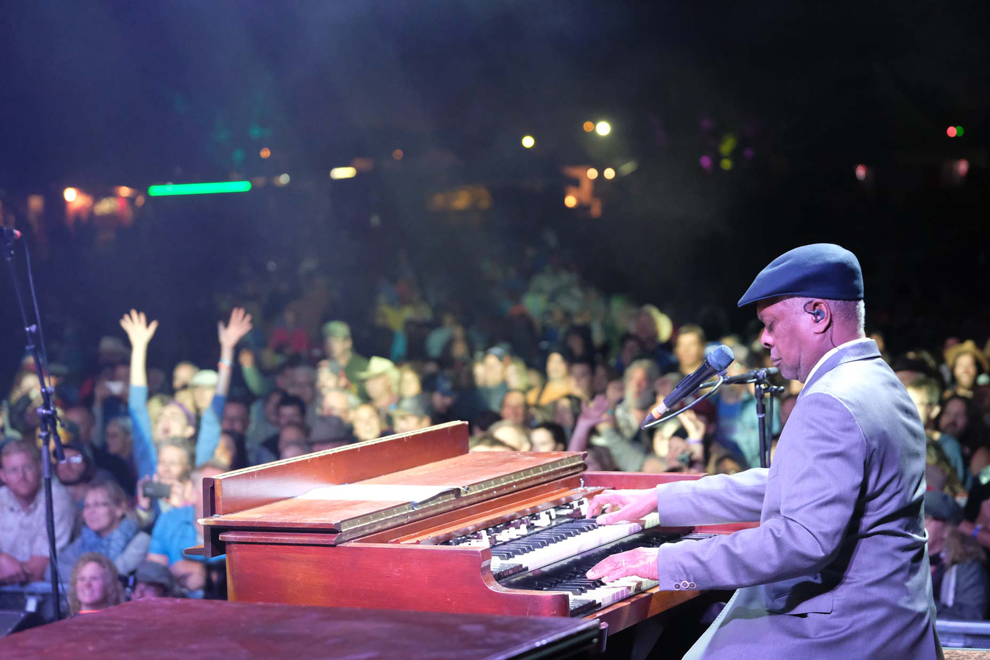 Booker-T-Salmon-Arm-Roots-and-Blues-Festival